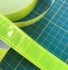 2,5 cm breed geel-groen reflecterend pvc-band