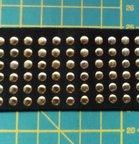 taille-elastiek 4 cm breed: zwart met lichtgoudkleurige studs /HALVE METER