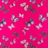 jassenstof vlinders op mooi fuchsia_