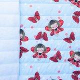 Doorgestikte jassenstof ladybug en vlinder rood op lichtblauw_