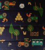 Doorgestikte jassenstof boerderij Vos op donkerblauw_