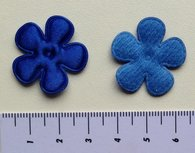 25mm bloem, blauw satijn met randje