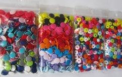 400 kleine snaps in 20 kleuren maat 16