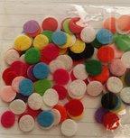 klein rondje van vilt 1 cm / ca 100 stuks willekeurige kleuren