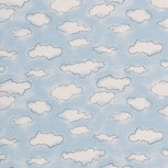 Mini winter: cremekleurige wolkjes op lichtblauw