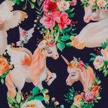 Matti, eenhoorns en bloemen op donkerblauwe tricot