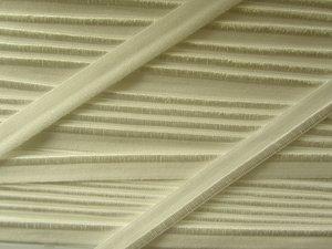 elastisch paspelband, gebroken wit