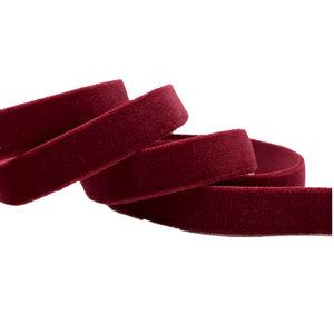 nog 1 meter: elastisch fluweelband bordeauxrood ,1cm breed