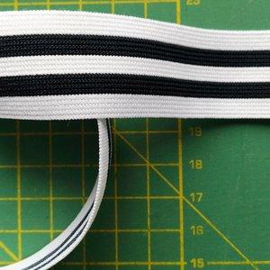 sierelastiek voor over zijnaden 2,5 cm: wit met twee zwarte strepen