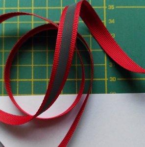1 cm breed ribsband met reflecterende streep op rood