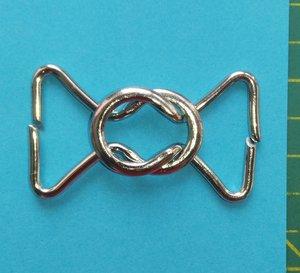 klemgesp met zilverkleurige ringen: metaal 30 mm voor het maken van een ceintuur