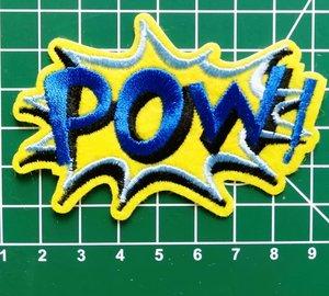 opstrijkbare applicatie:POW! blauwe letters op geel vilt