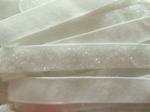 glitterelastiek gebroken wit 1cm breed