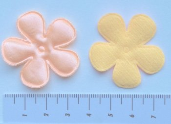 35mm bloem zalmkleurig satijn