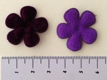 28 mm bloemetje fluweel donkerpaars