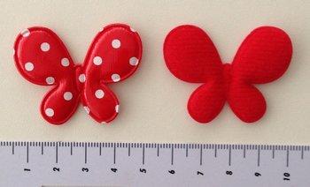 vlinder 4,5 x 3,5cm rood met wit stipje, vinyl