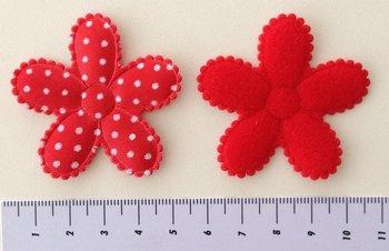 grote bloem, rood met stip 5cm