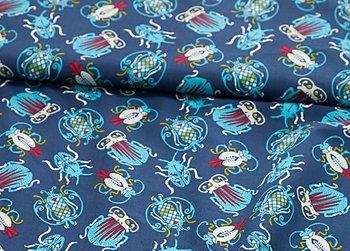 Mosca katoen van Lila Lotta: grote kleurige kevers op donkerblauw