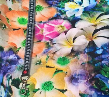 soepele viscosetricot met zomerbloemen / digitaal bedrukt