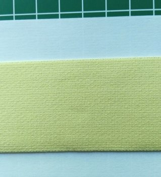 taille-elastiek 4 cm breed: zacht mat geel /HALVE METER