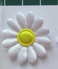 madeliefje 3cm wit met geel hartje
