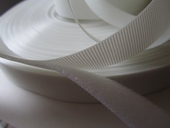 heel dun zacht en soepel klittenband, WIT,  2 cm breed