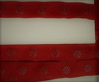 drukkertjesband donkerrood: afstand 2,5 cm: HALVE meter