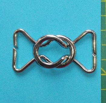 klemgesp met zilverkleurige ringen: metaal 25 mm voor het maken van een ceintuur