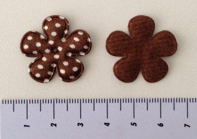 25mm bloemetje bruin satijn met witte stip