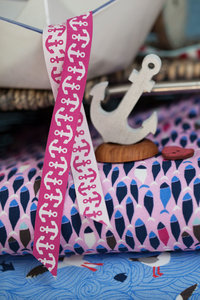 Ankerband fuchsia-wit uit de On The Open Sea-serie van LilaLotta