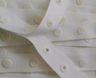 drukkertjesband gebroken wit: afstand 2,5 cm: HALVE meter