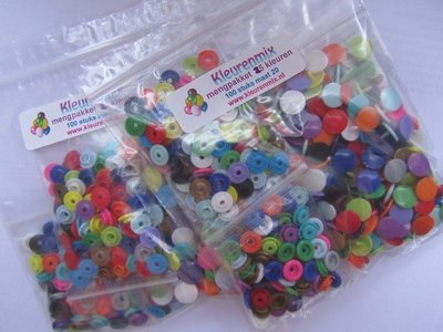 kleurenpakket maat 20 /200 stuks, ongesorteerd!