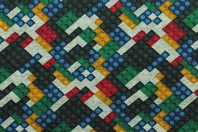 Tricot met de bekende bouwsteentjes rood/zwart/groen/blauw/geel