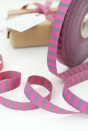 streepjesband roze/grijs